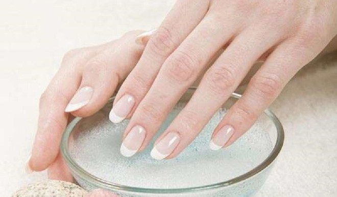 Groom Your Nails With DIY Tricks