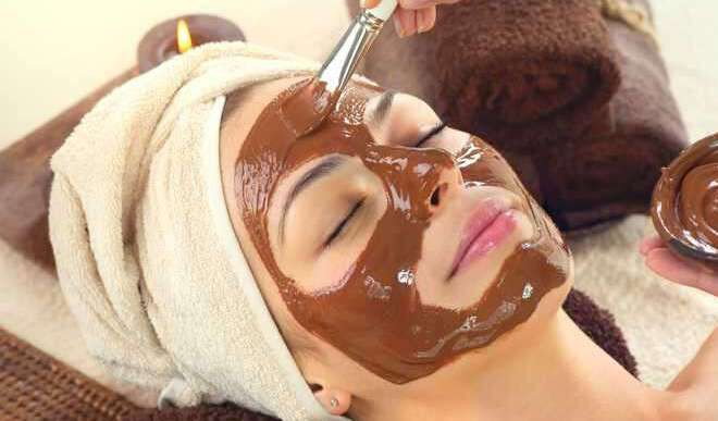 Try DIY Chocolate Face Packs