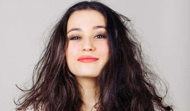 Remedies To Treat Frizzy Hair At Home