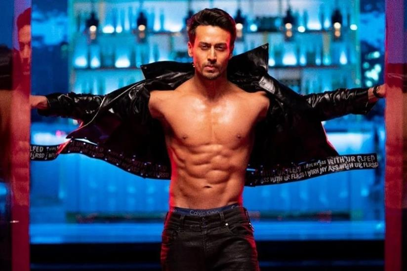 Tiger Shroff Inspired By Chanu Lifts 140 kgs