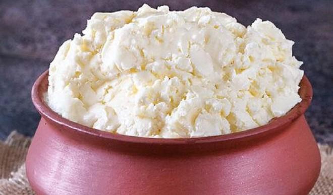 Try A Dollop Of White Makkhan!