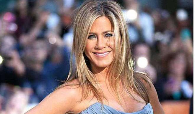 Jennifer Aniston Launches Beauty Brand